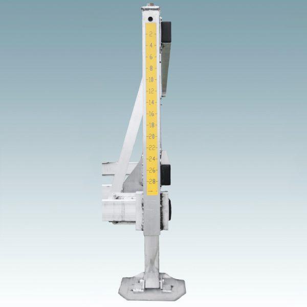 screw adjustable leg tool