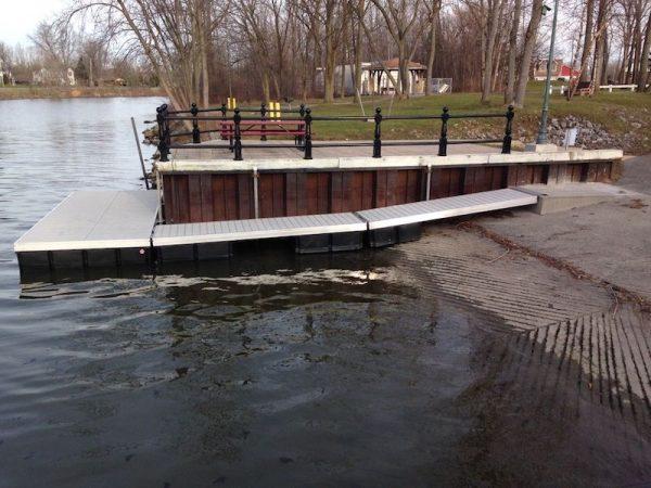 Floating Dock RGC Marine low water