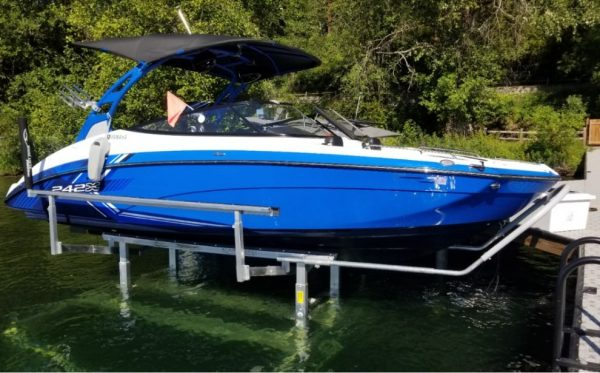 RGC boat lift with royal blue boat side view